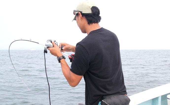 タテ釣り(落とし込み)で小学生アングラーが高級魚連続ヒット【魚勘丸】