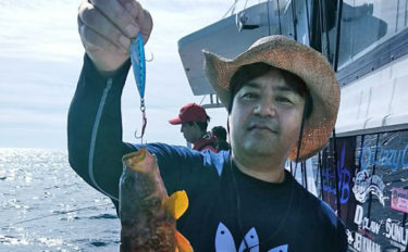 SLJ&イカメタル贅沢リレー釣行でイサキやケンサキイカ狙い【健洋丸】
