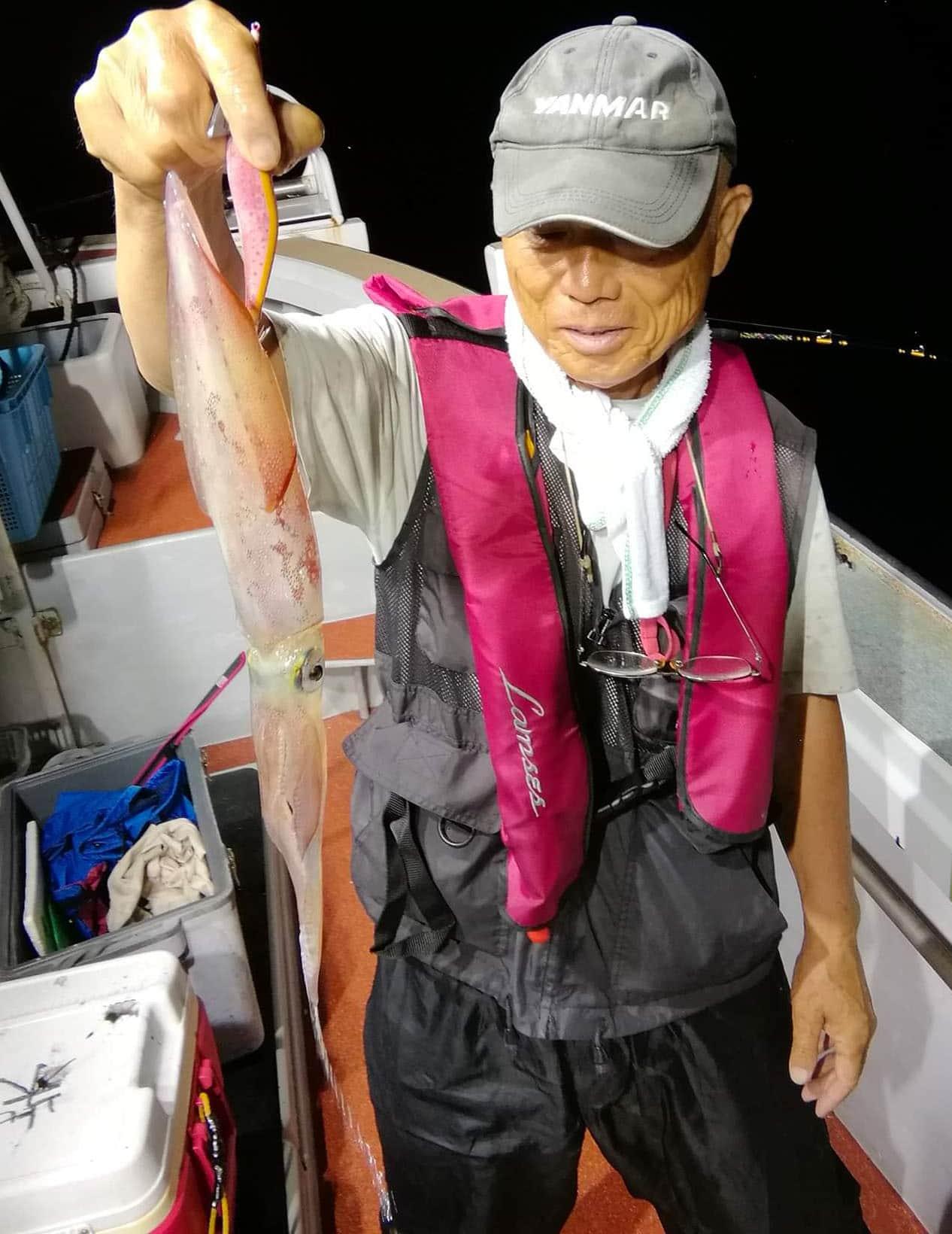 【玄界灘】夜焚きイカ釣果速報 3桁釣果にイカ泳がせで5㎏マダイも!