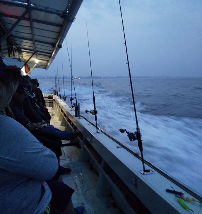 釣具店主催の船タコ釣り女子会に参加 潮早く苦戦も2.5㎏大型登場