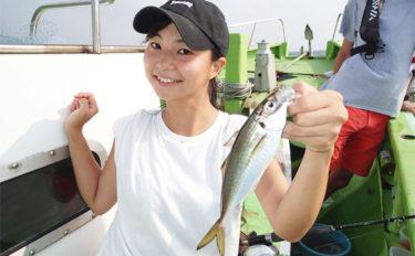 東京湾LTアジで脂たっぷりアジ入れ食い 船中トップ72尾【弁天屋】