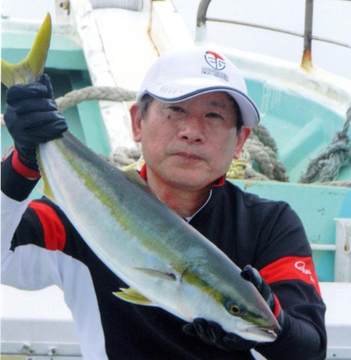 玄界灘の落とし込み釣りで5kg級ブリ 根魚にヒラメも【第一成幸丸】