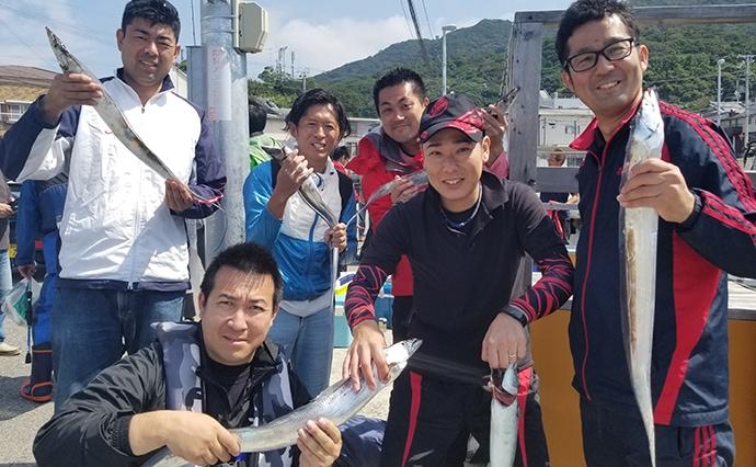 テンヤタチウオ釣行で指5本頭に20匹超え 尻尾エサが吉!【幸吉丸】