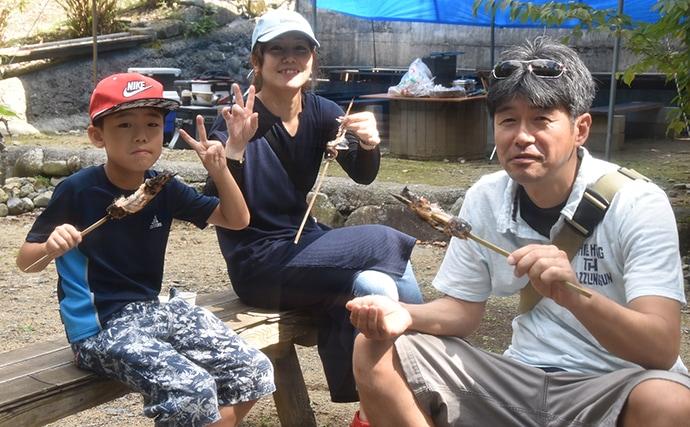 秋の管理釣り場を楽しもう 釣りに摑み取りにBBQも【日名倉養魚場】