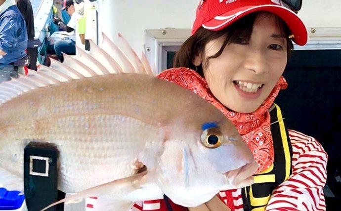 シャローエリアのテンヤ釣りで50cmマダイ含み10目達成【健栄丸】