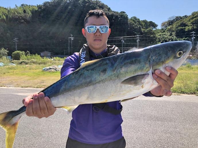 【愛知・静岡】オフショアルアー釣果速報 82cmマダイにアオリ15匹