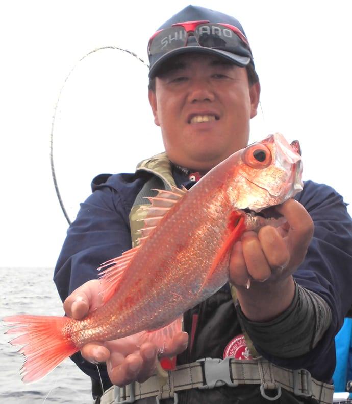 茨城沖アカムツ釣りで42cm頭に本命9尾 船中全員安打!【大貫丸】