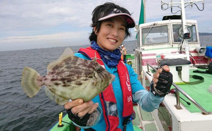 苦戦中の東京湾カワハギ船で28cmキモパン頭に良型連発【弁天屋】