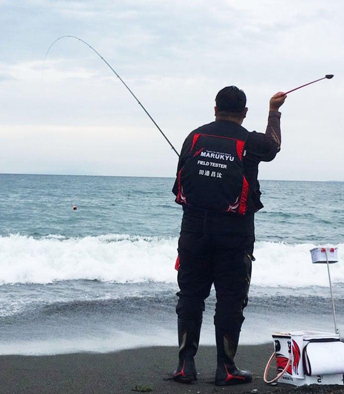 西湘サーフの渚釣りで41cm頭に本命クロダイ4尾【酒匂海岸】