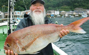 【三重】イカダ&カセ最新釣果 72cmマダイに800gアオリイカ他