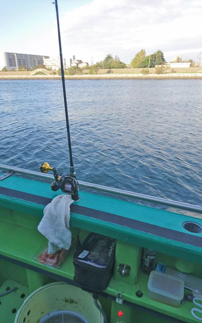 東京湾フグ船で強引堪能 胴突き食わせ&カットウで挑戦【浦安・吉野屋】