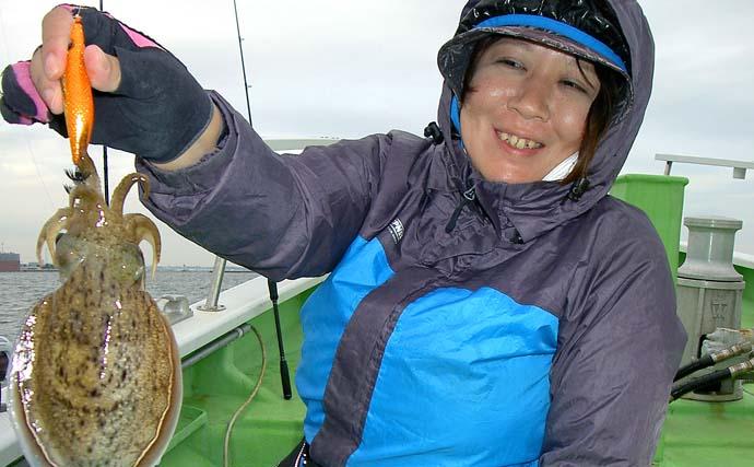 東京湾スミイカ釣りで250g頭に2尾 台風による底荒れで苦戦【弁天屋】