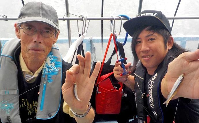 ドーム船ワカサギ釣りで最大13cm頭にトップ235匹【長野・諏訪湖】