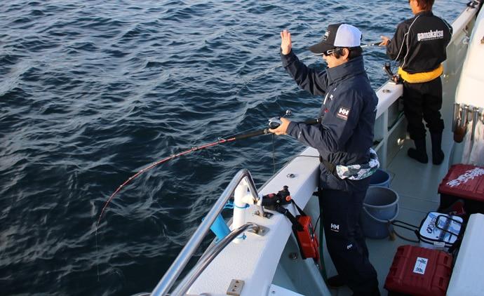 『タテ釣り(落し込み)』でヒラマサラッシュ到来 仕掛け選択方法も解説