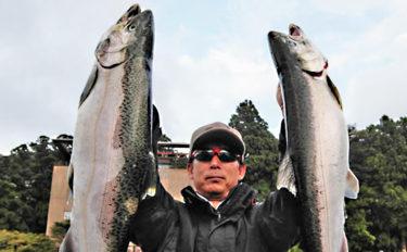 ボートフライ釣りで台風被害後の芦ノ湖を調査 62.5cmコーホー登場