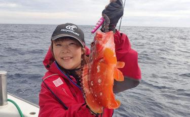 『銭洲』遠征ジギング釣行 1時間で船中アカハタ70匹!【とび島丸】