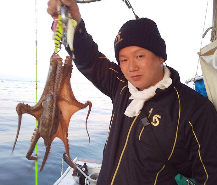 シーズン開幕した『秋マダコ釣り』 緩い潮流に苦戦も14杯【福丸】