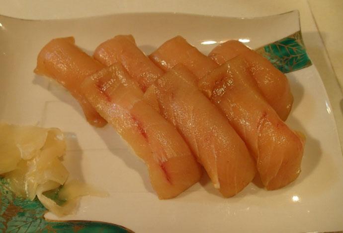 島で産まれた『島寿司』の発祥と魅力 ワサビは使わずカラシを入れる?