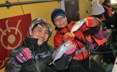 早起き不要の午後船で東京湾LTアジ釣り満喫 電車釣行もOK【荒川屋】
