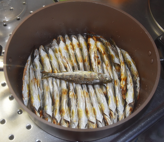 【釣果レシピ】新子アマゴの甘露煮:お正月の祝い膳にも最適