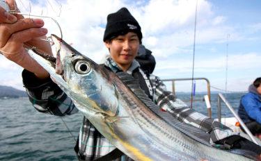激スレ&低活性の大阪湾タチウオを『チタントップ』ロッドで完全攻略