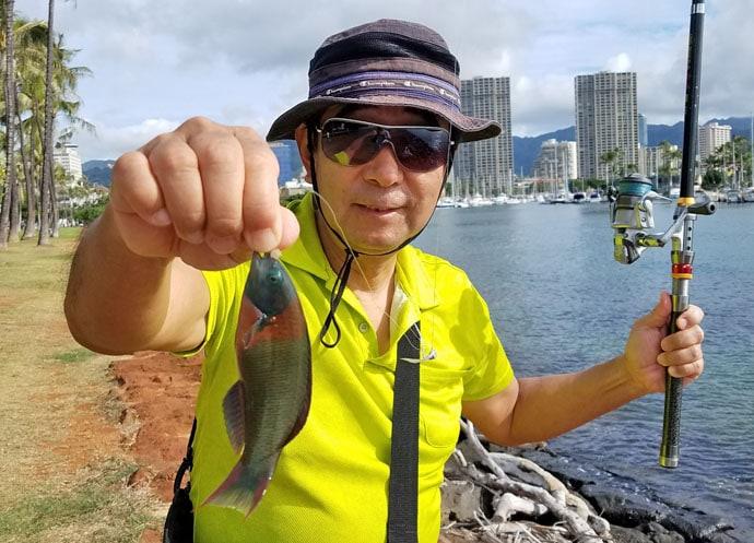 ハワイでちょい投げ&エビ釣り満喫 ファミリーフィッシングにも最適