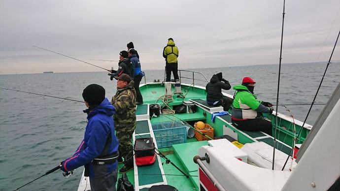 東京湾奥が例年になくアツい 年末年始3days釣行で87cm7kgブリ