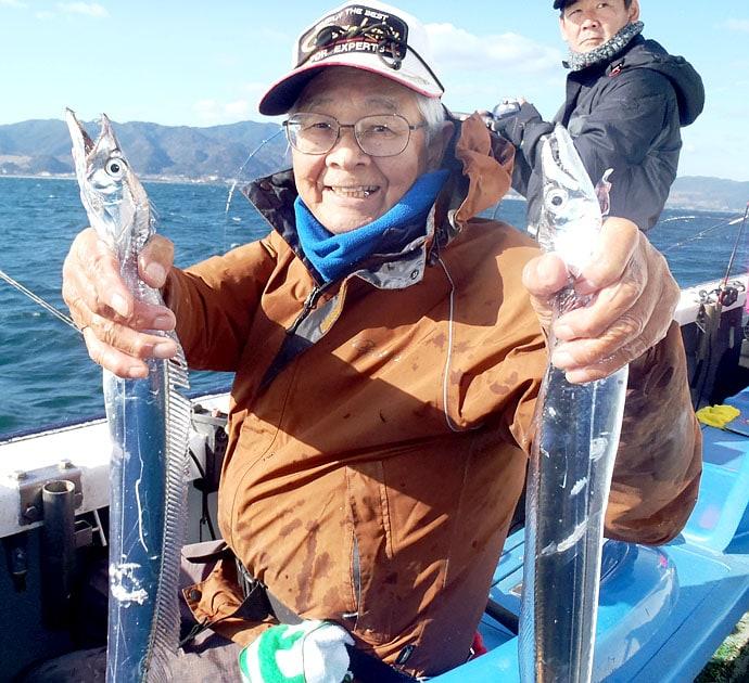 大阪湾タチウオ釣りで43尾 「小潮」&「大きな誘い」が重要【夢丸】
