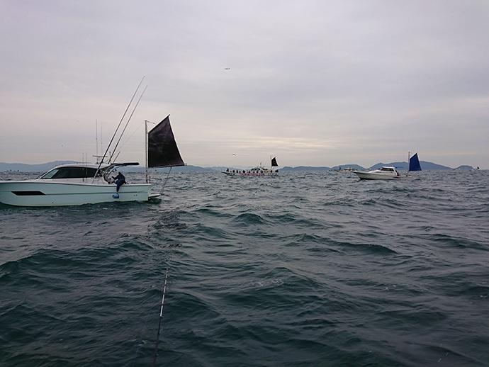 佳境を迎えた大阪湾テンヤタチウオ釣行 数は出るも型いまいち【夢丸】