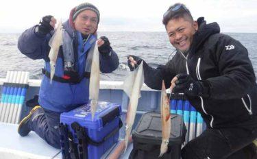 ジャンボサイズ乱舞 ヤリイカ釣りで60cm頭ヤリイカ47尾【不動丸】