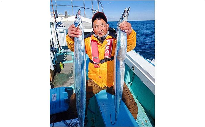 ジギングタチウオ釣行で良型乱舞 指5本半頭に40尾【茨城・釣友丸】
