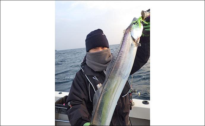 【大分&熊本】沖釣り最新釣果 タチウオ終盤で指幅8本「神龍」降臨