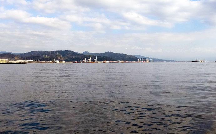 清水港に旬の青物回遊中 陸からナブラ撃ちで本命サゴシ3匹キャッチ