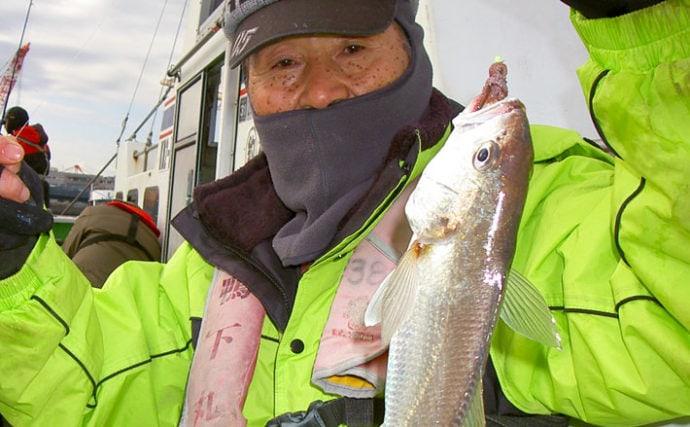 厳寒期の東京湾でイシモチ活況 船中34cm頭に86尾【鴨下丸】