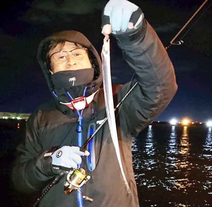冬の陸っぱりをアツくする『新子タチウオゲーム』で120尾【名古屋港】