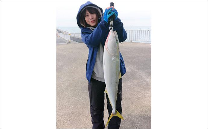 海釣り公園でアジを泳がせ80cmブリを手中【福岡・脇田海釣り桟橋】
