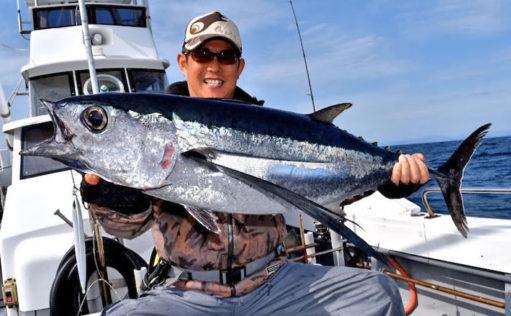 【三重県】船&イカダ釣り最新釣果 トンジギで10kgビンチョウマグロ