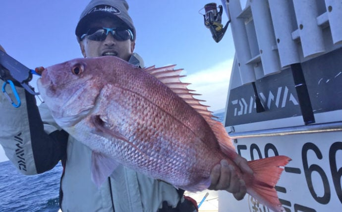 【響灘】沖のエサ釣り最新釣果 『テンヤマダイ』で良型中心に船中30尾