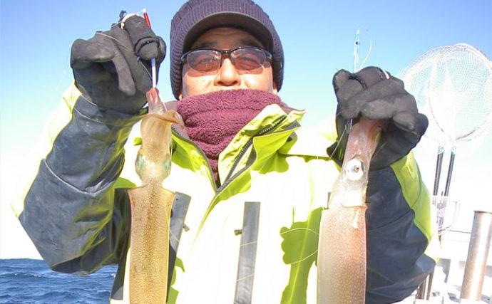 日立沖で良型ヤリイカが好調 60cmパラソル級も浮上【直重丸】