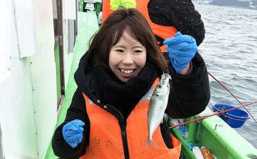 東京湾『LTアジ』釣行で80尾 低活性時の攻略法も紹介【進丸】