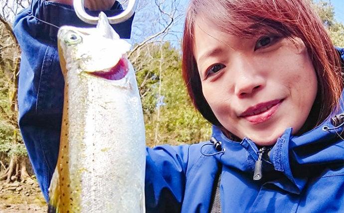 渓流エサ釣りでヤマメを狙う 30cmオーバー浮上で破顔【岩岳川】
