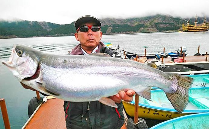ボートフライフィッシング3days釣行で大型トラウト続々【芦ノ湖】