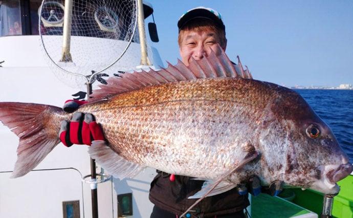 テンヤマダイ釣行で80cm大型本命手中 自作仕掛けにヒット【弘漁丸】