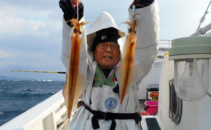 シーズン本格化のヤリイカ釣り 船中40cm頭に36尾【南房・大栄丸】