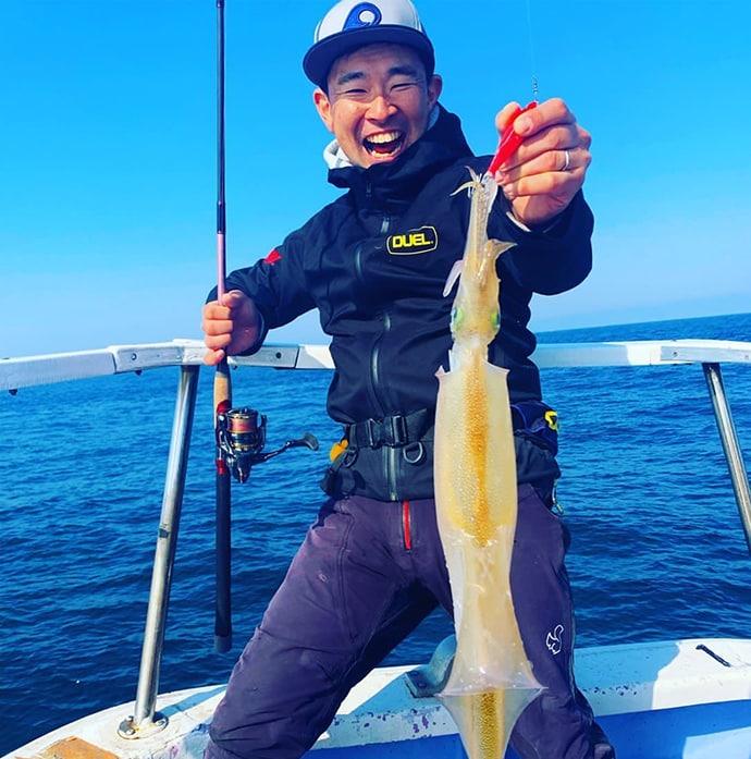 浅場のヤリイカメタルに挑戦 40cmオーバー含み7尾【茨城・不動丸】