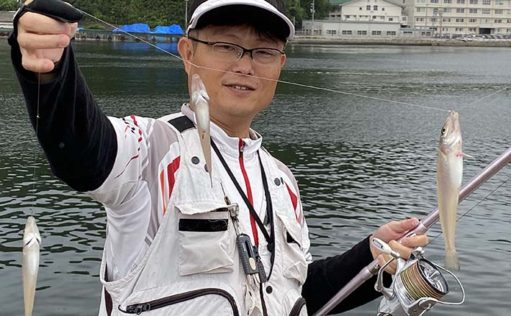 夫婦で「ラン&ガン」投げキス釣り 23cm頭に計30匹【鳥取・西部】