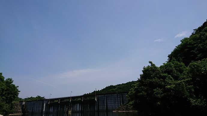 梅雨の晴れ間のヘラブナ釣り攻略法 『夏パターン』を意識すると吉?