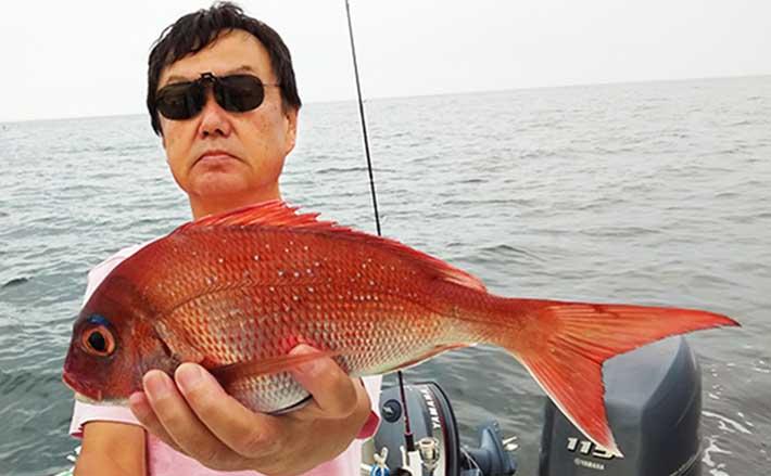 実釣30分間のマイボート『おかず釣り』で35cm頭イサキ6匹【五ヶ所湾沖】