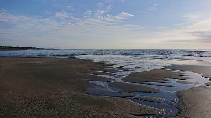 河口域でヒラスズキゲーム 朝マヅメに50cm超え好捕【宮崎・木崎浜】