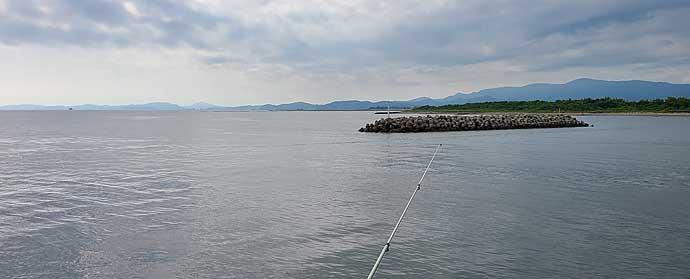 ちょい投げ釣りでシロギス22匹 潮流次第で誘い方変更【三重・有滝堤防】